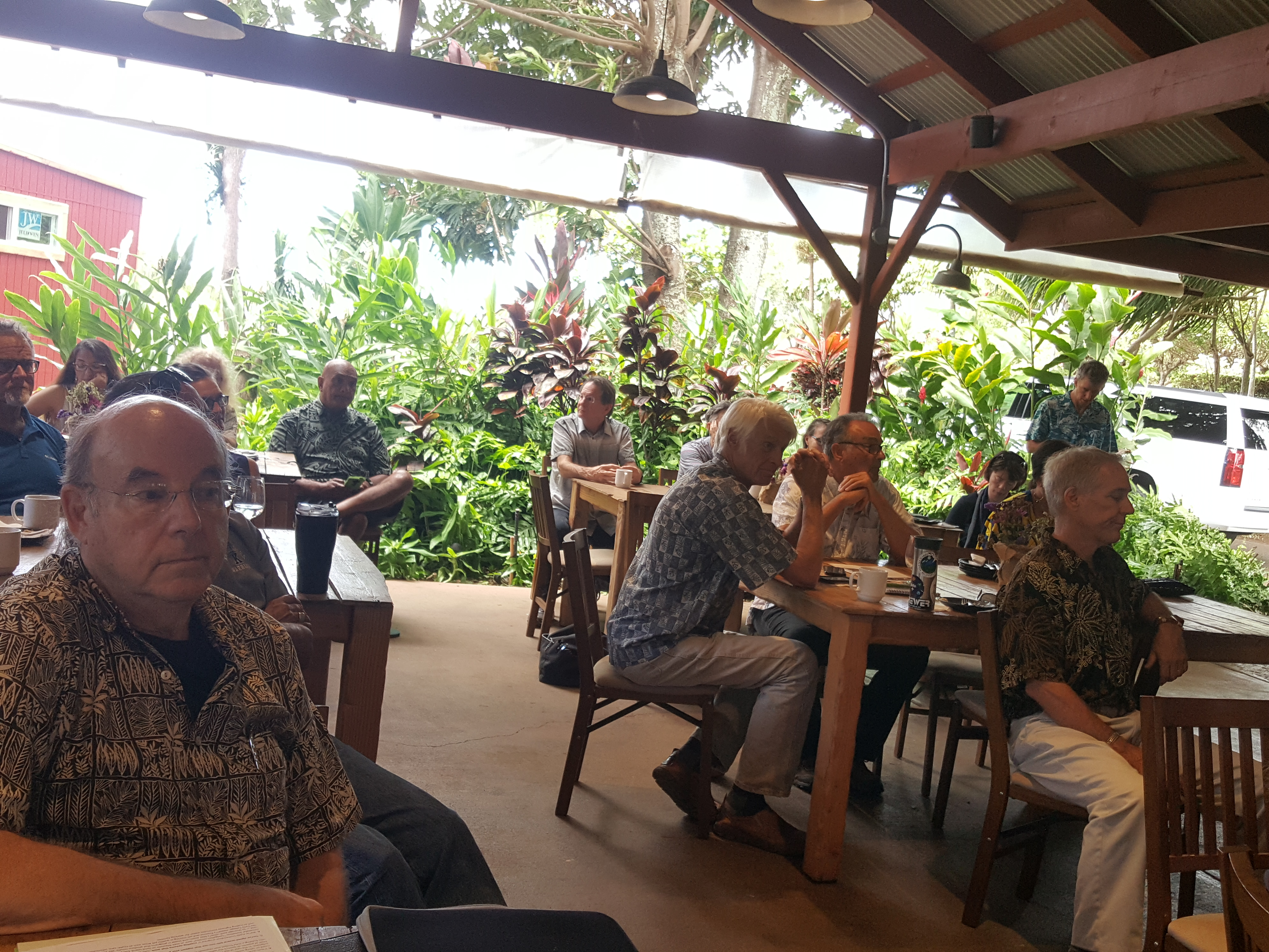 Governor Ige Meets With The Community Associations