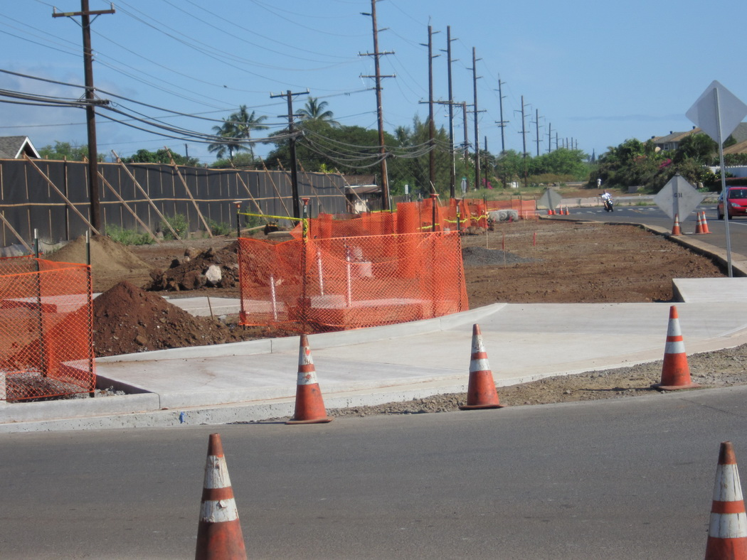 Road closed this week***Bike path construction along Liloa nearing  conclusion in June