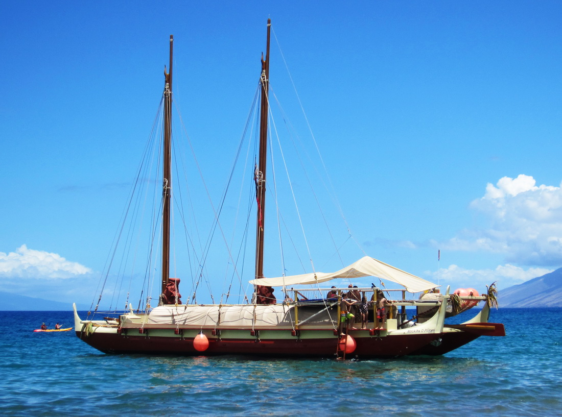 Mo'okiha O Pi'ilani sails into Wailea, thrilling residents and visitors alike