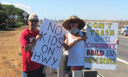 Sign Waving Demonstration Seeks Safety First for Future Kihei High School Students